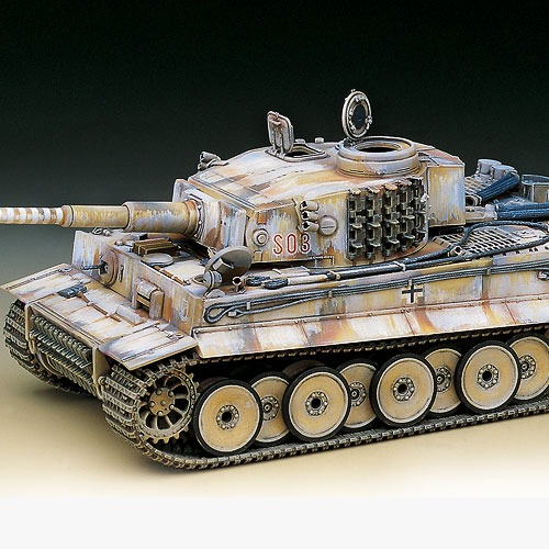 "[1/35] 13264 TIGER-I WWII TANK ""EARLY-EXTERIOR MODEL"""